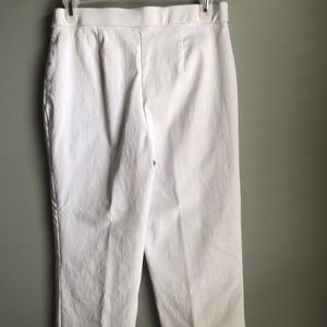 Dana Buchman Pants - White straight fit pull on pants